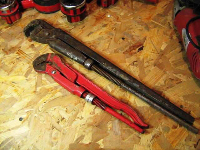 Как нарезать резьбу на трубе? инструмент для нарезки, ручной вариант для нарезания, выбираем резьбонарезной станок и клупп