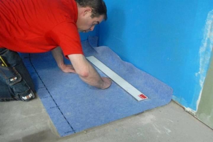 Гидроизоляция ванной комнаты своими руками: обзор материалов и способов