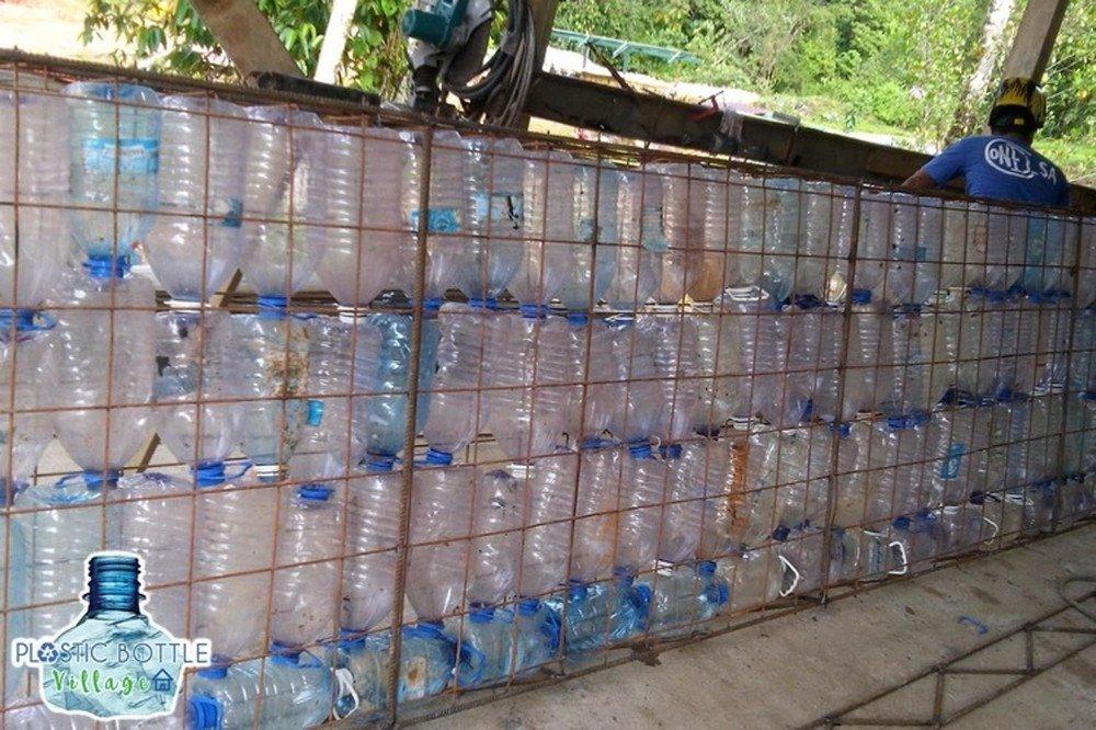 21 крутой вариант использования пластиковых бутылок на даче - огород, сад, балкон - медиаплатформа миртесен