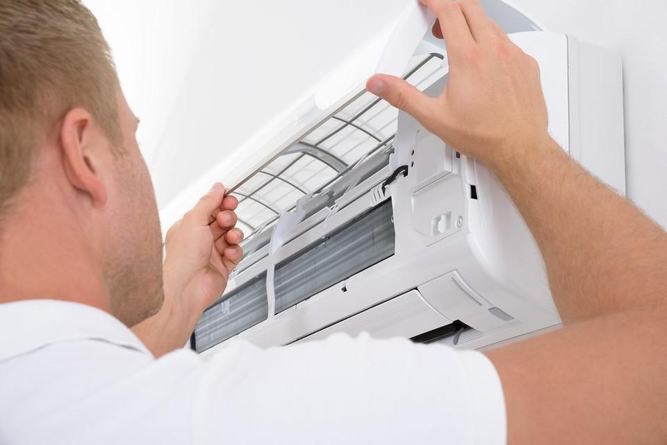 Как почистить ✅ кондиционер дома самостоятельно и помыть своими руками
