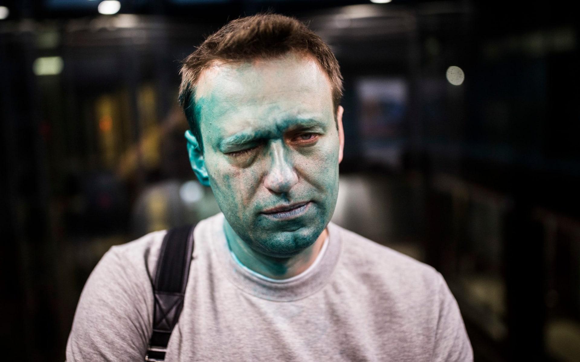 «русский марш» главы фбк: что связывает алексея навального с националистами