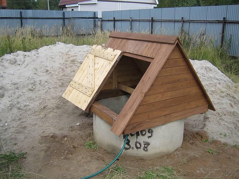 Как сделать домик с крышей для колодца