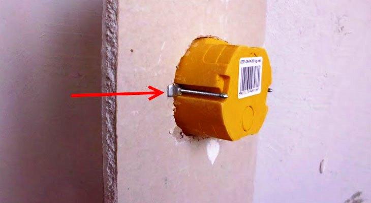 Монтаж розеток в гипсокартон: как установить подрозетник и розетку в гипсокартоне