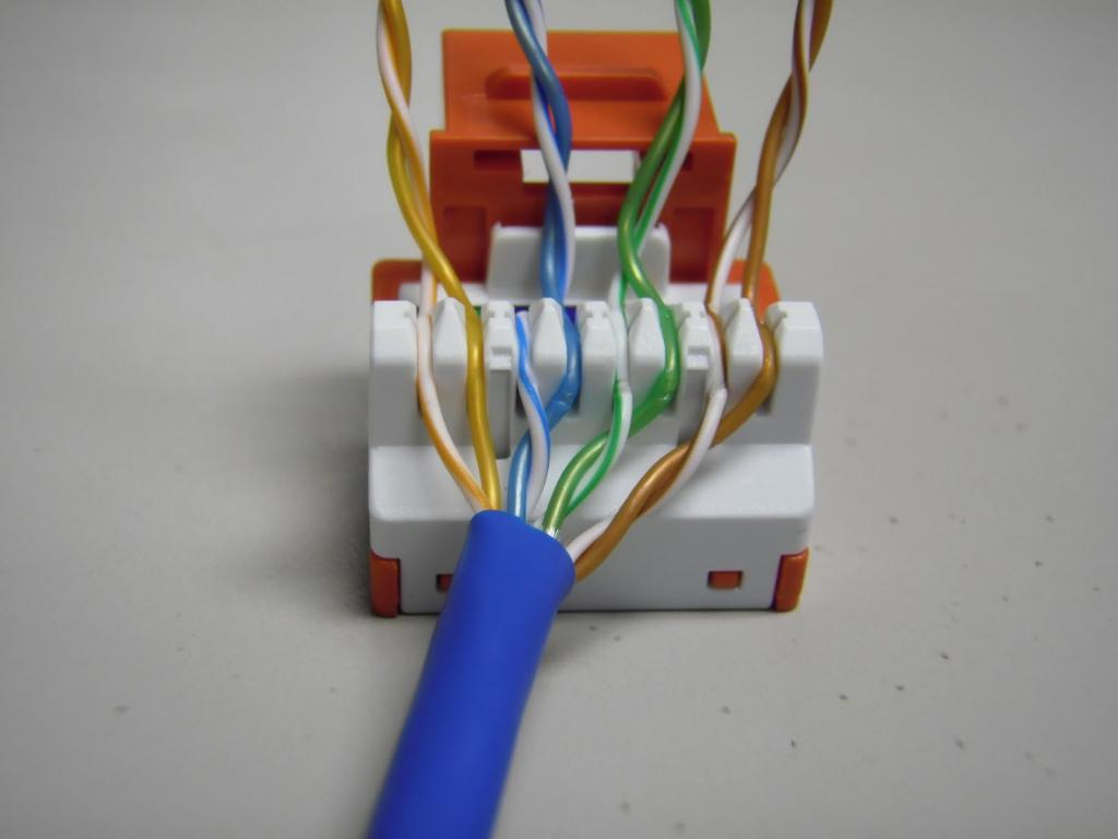 Как удлинить интернет кабель и не ухудшить соединение