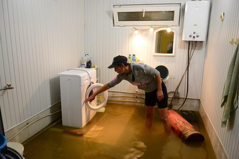 Затопили соседи сверху - что делать