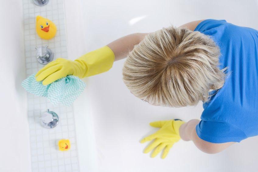 Как почистить ванну из разных материалов в домашних условиях от желтого налета и ржавчины