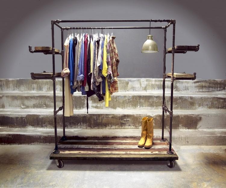 Деревянная стойка для одежды своими руками
