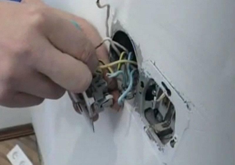 Подробная инструкция как поменять выключатель