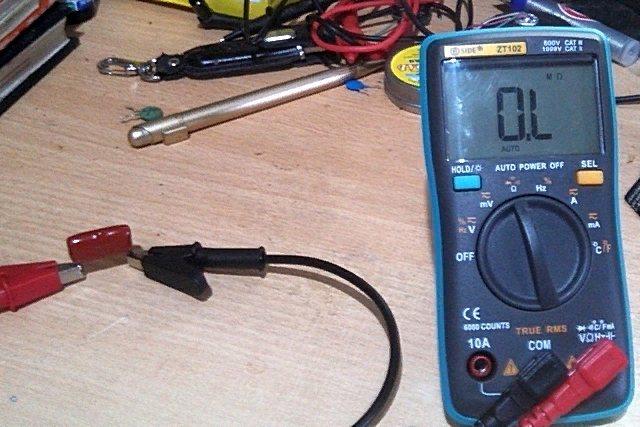Как прозвонить и проверить конденсатор мультиметром не выпаивая: проверка емкости электролитического, танталового или керамического двухполюсника с видео