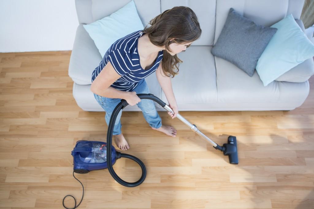 Как часто нужно пылесосить ковры: инструкция