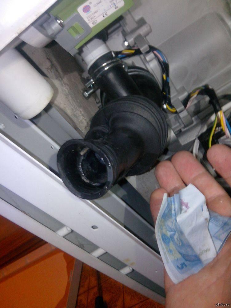 Вода в поддоне посудомоечной машины - что делать