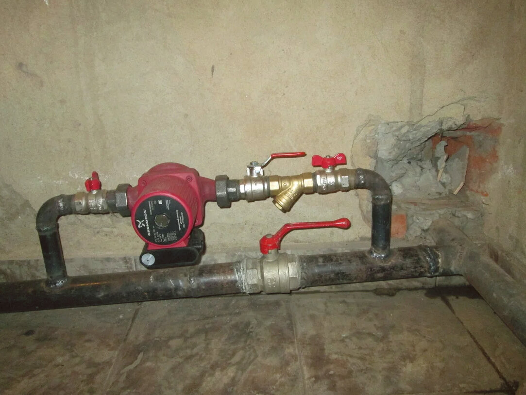 Установка дополнительного насоса в систему отопления: как правильно установить, где лучше подключение, схема на подаче или обратке