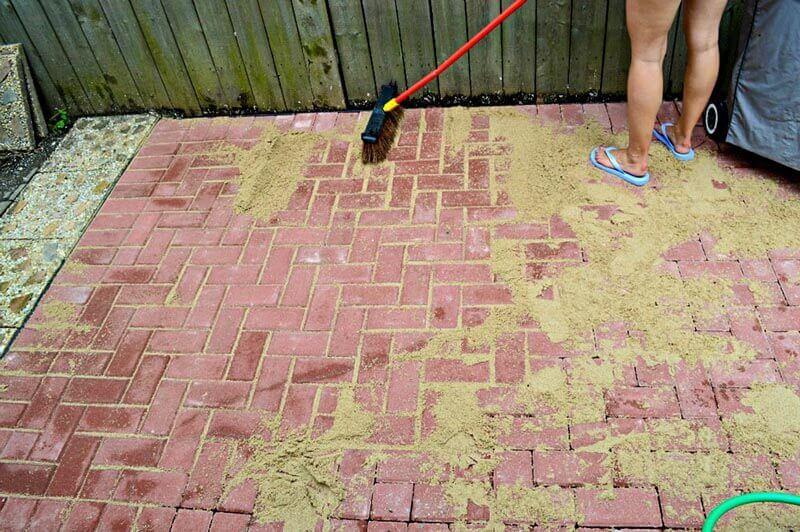 Укладка тротуарной плитки на песок: пошаговая инструкция - все про керамическую плитку