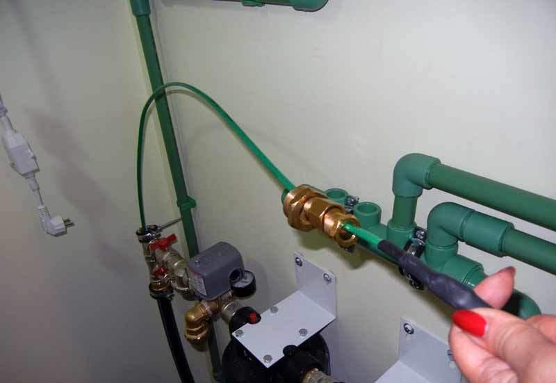 Греющий кабель для водопровода внутри трубы: как установить обогрев в трубу с водой, установка провода