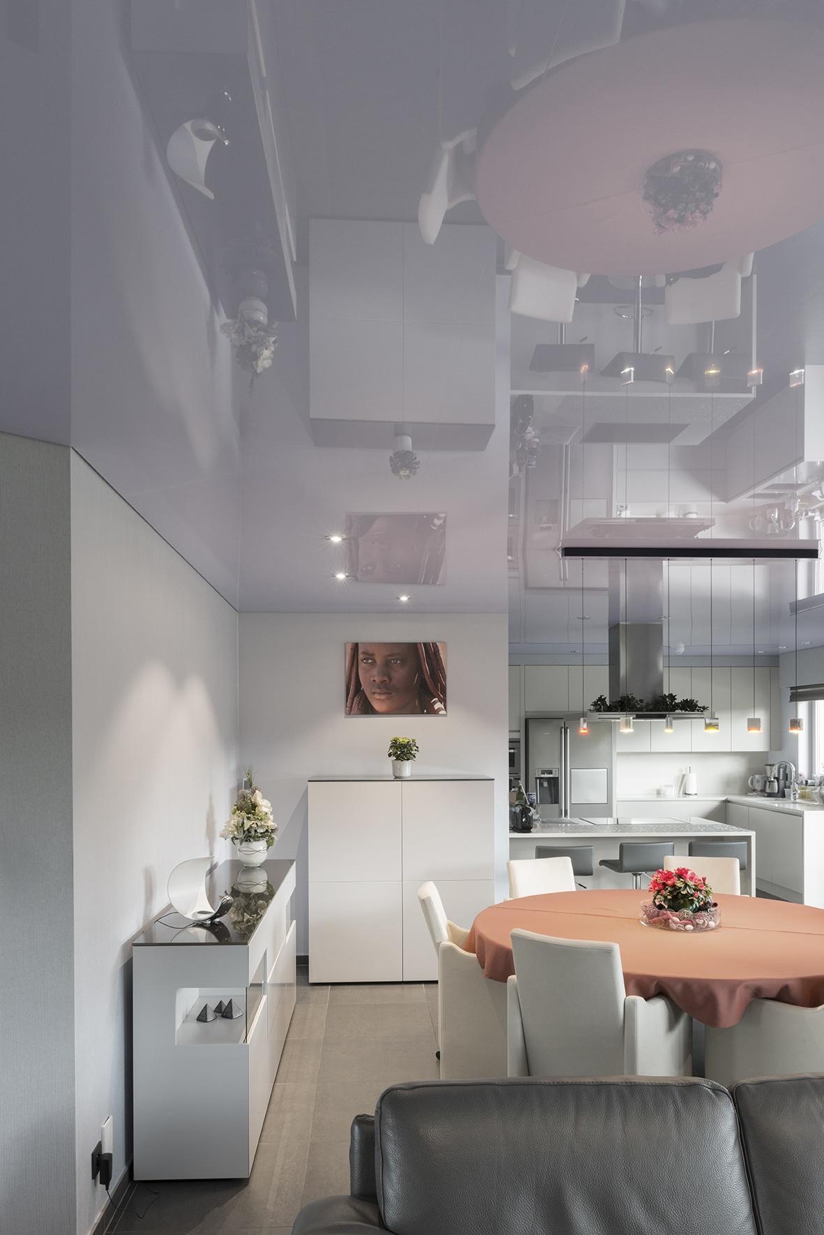 Дизайн потолка на кухне: возможности облицовочных материалов
