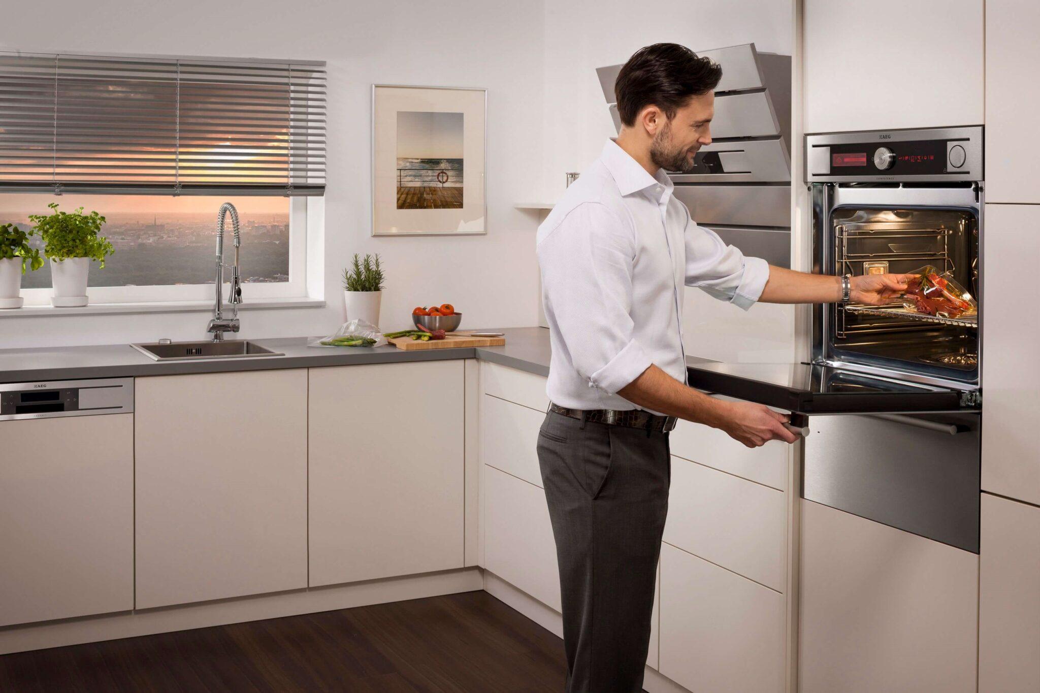 Рейтинг встраиваемых электрических духовых шкафов: характеристики моделей и советы по выбору