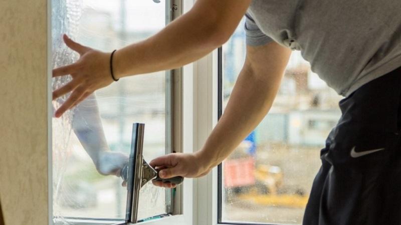 Тонировка окон в квартире: виды тонирующих пленок, их преимущества и недостатки,уход и цена за квадратный метр