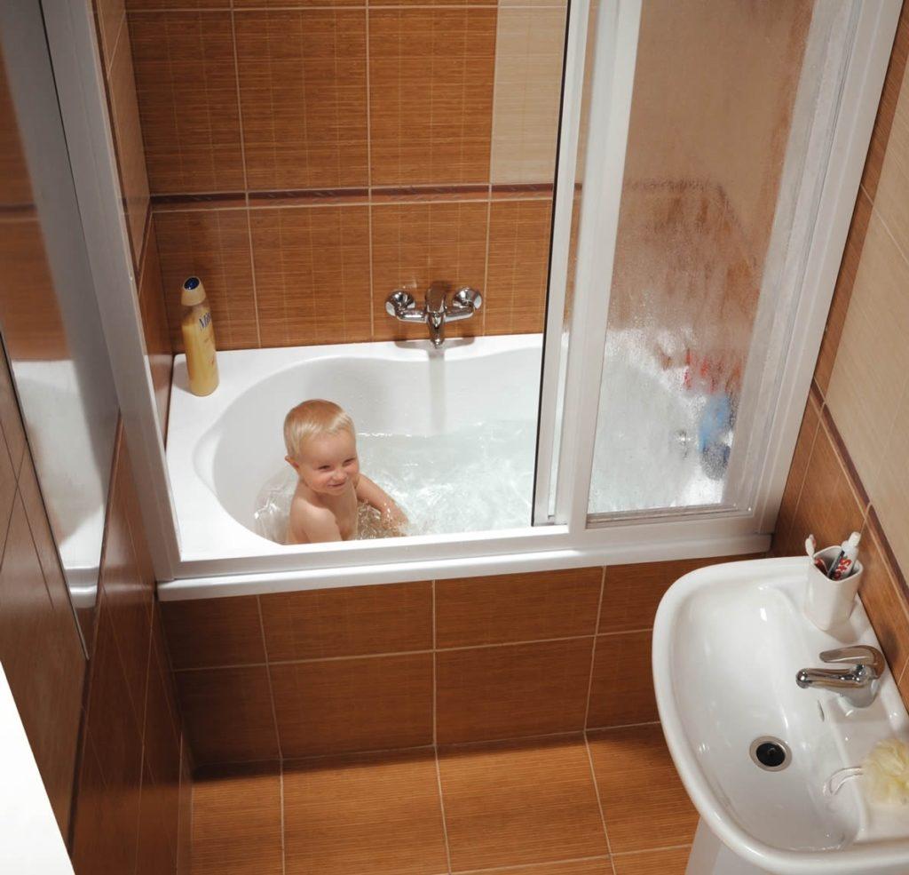 Маленькая угловая ванна (45 фото): продукция размером 100х70 и 115 на 72 см, небольшие варианты для комнаты, отзывы о мини-конструкциях