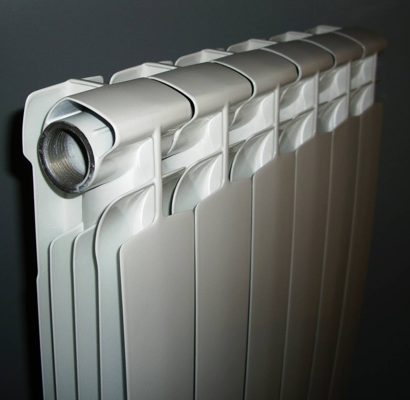 Какие биметаллические радиаторы лучше для отопления квартиры? выбираем хорошую фирму производителя батарей