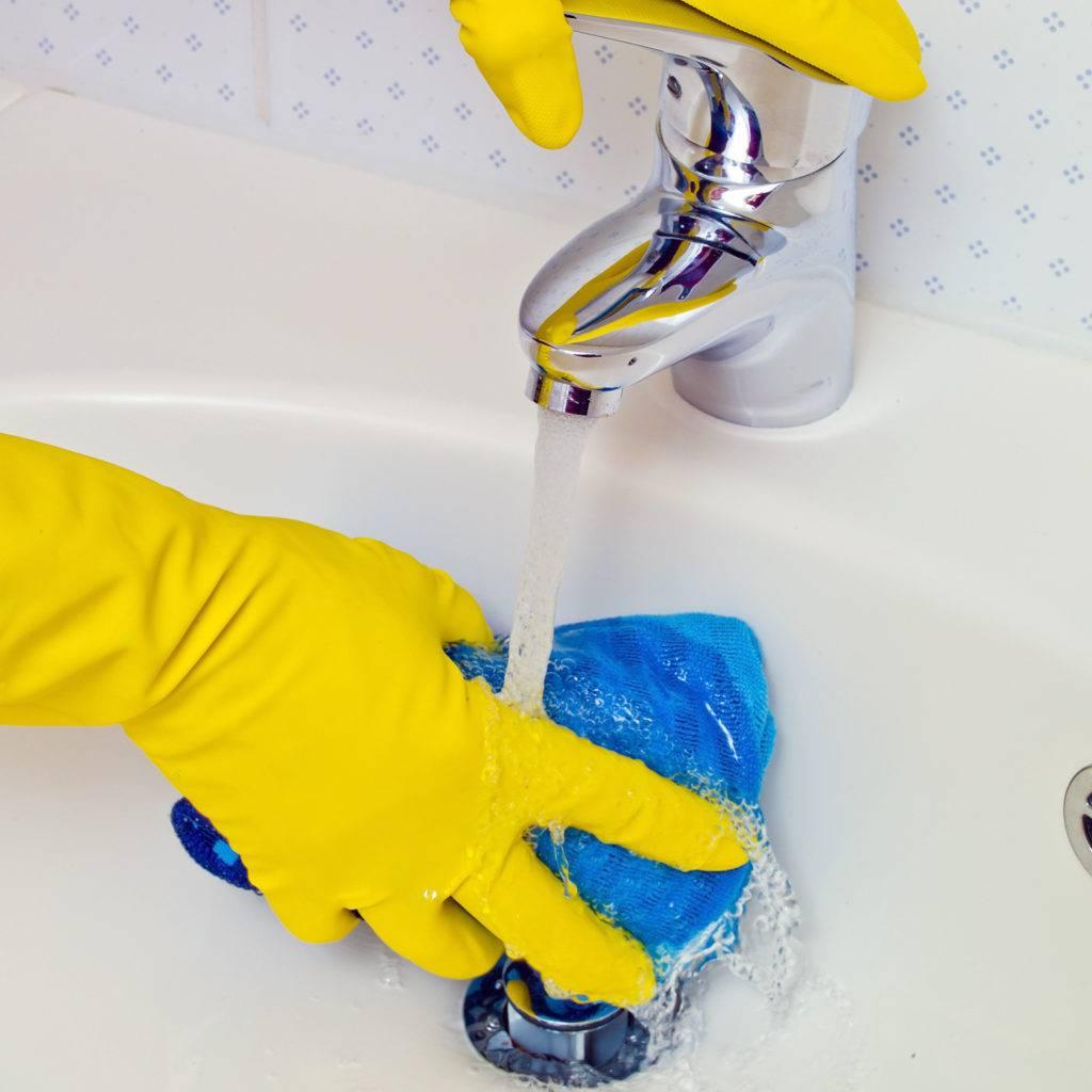 Выбираем лучшее чистящее средство для сантехники