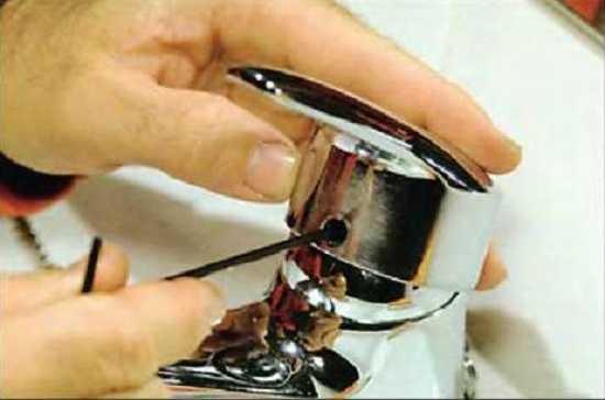 Как поставить смеситель в ванной