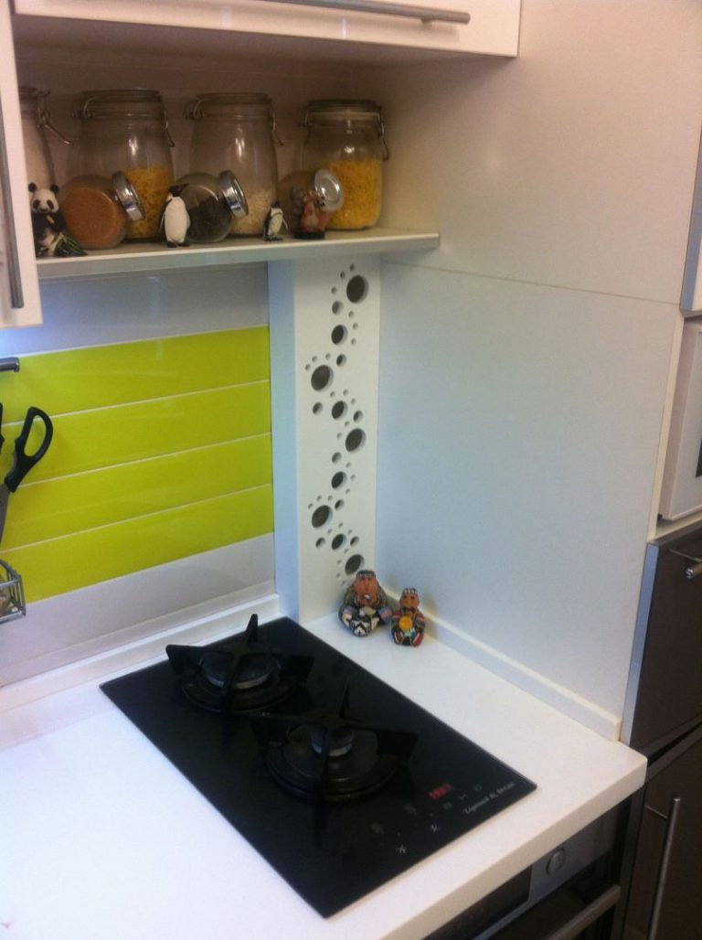 Как спрятать трубы на кухне: способы маскировки