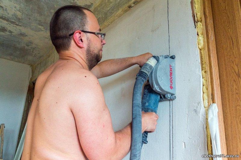 Как правильно штробить стену под проводку: особенности выбора инструмента и проведения штробления