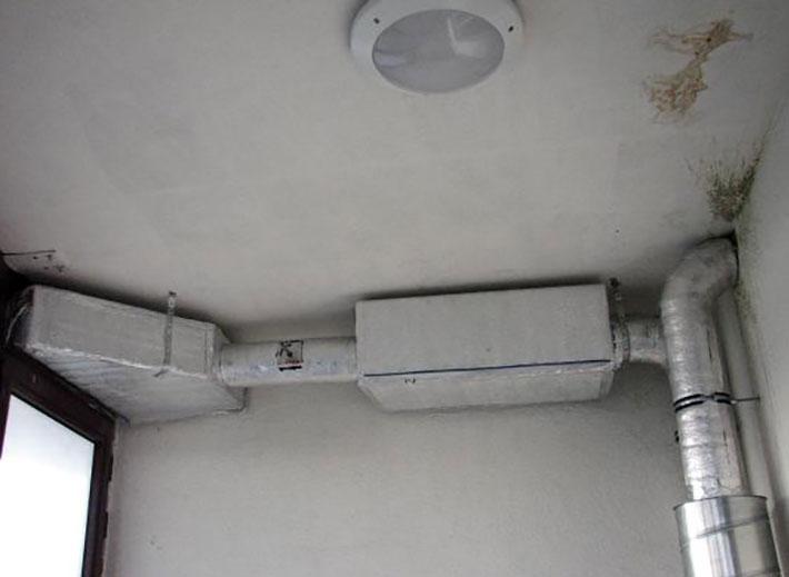 Можно ли устанавливать кондиционер на балконе - плюсы и минусы, советы специалиста
