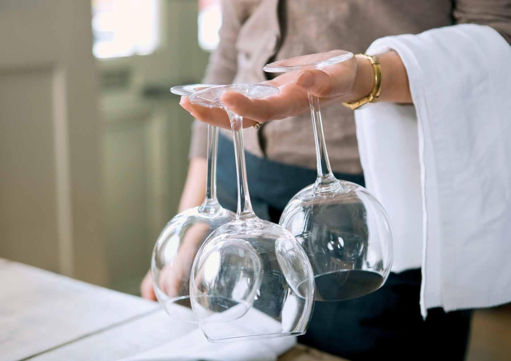 Методы очищения стеклянных ваз от налета