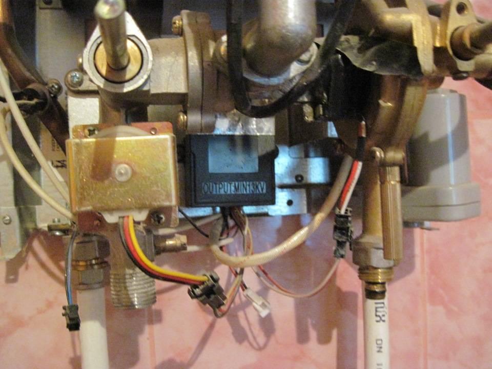 Как правильно настроить газовую колонку — регулировка горячей воды и пламени