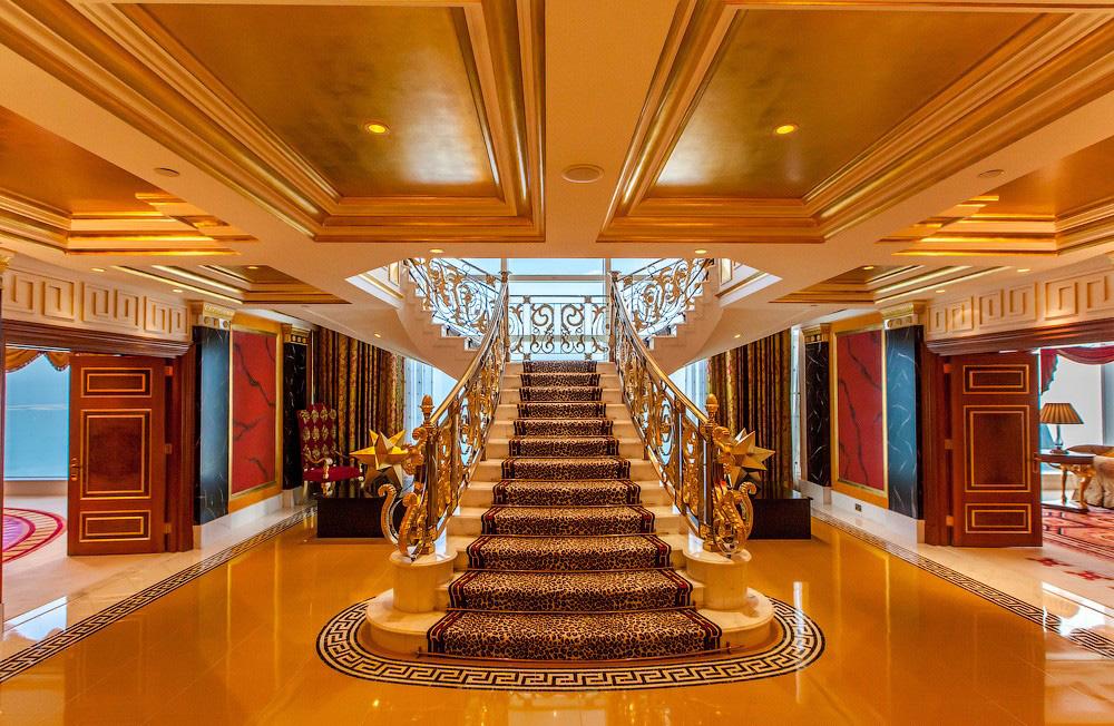 Привычки и предметы роскоши богатых людей