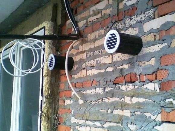 Вытяжка для ванной комнаты в частном доме: как сделать вентиляцию, виды, обратный клапан (+ фото)