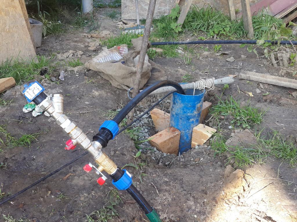 Как прокачать скважину после бурения от песка, ила и глины - vodatyt.ru