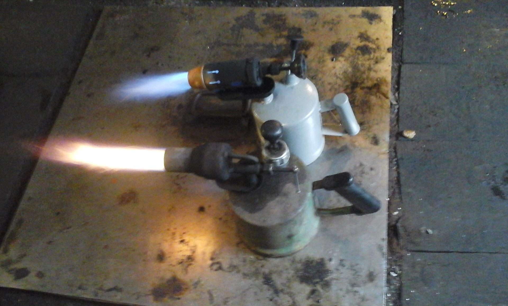 Газовые горелки (41 фото): ручные горелки на баллон. какую выбрать? варианты для обжига дерева, устройство и ремонт, лучшие горелки