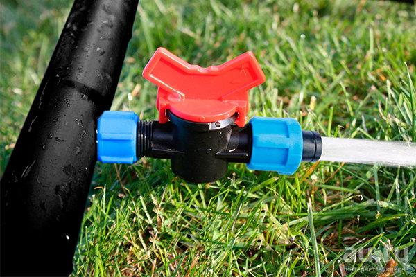 Труба для капельного полива: выбор и монтаж трубопровода - точка j