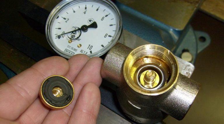 Редуктор давления не реагирует на открытие дополнительных вентилей: что делать