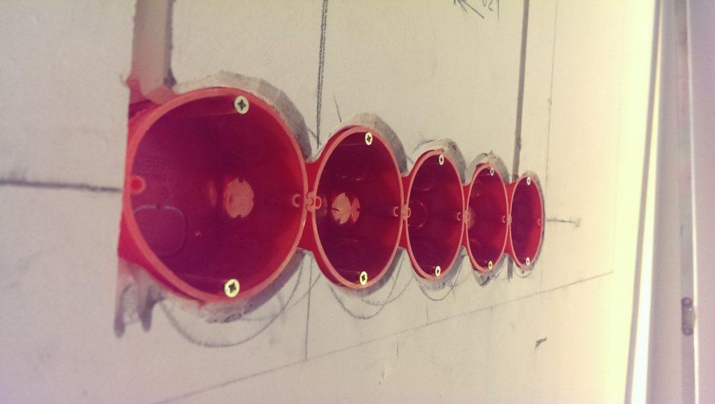Подрозетники для гипсокартона: особенности установки