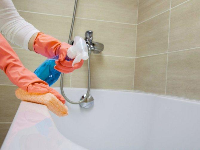 12 лучших средств для чистки ванн