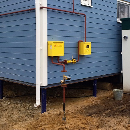 Выход газопровода из земли: особенности обустройства узла выхода газопровода