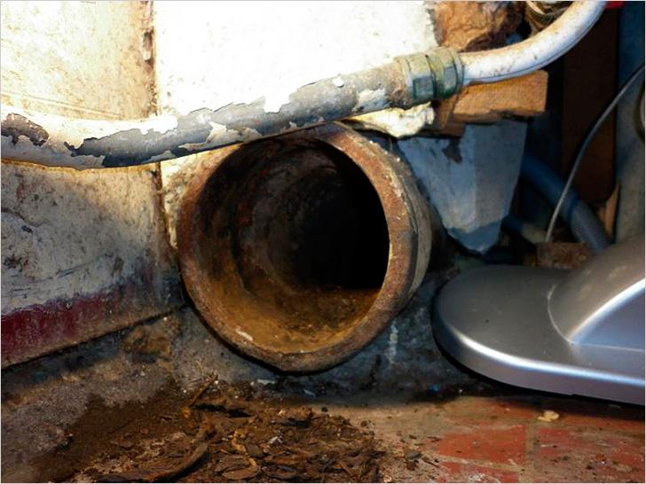 Замена чугунного стояка канализации на пластиковый. как поменять?