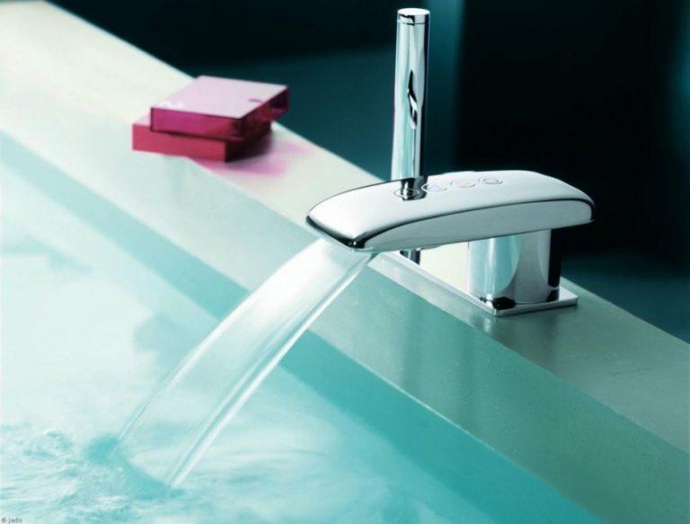 Каскадный смеситель (50 фото): стеклянный кран-водопад для раковины и ванны с подсветкой, особенности излива «каскад» и отзывы