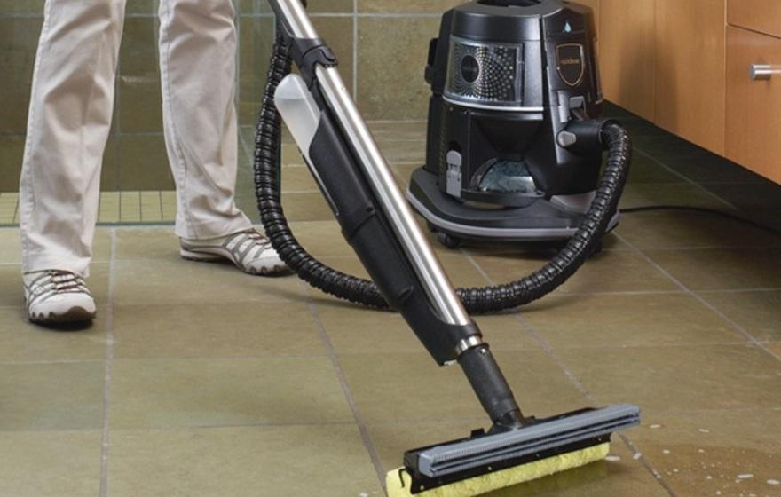 Как правильно пользоваться моющим пылесосом: правила и способы применения, сборка, разборка, комплектация, особенности уборки ламината, паркета, ковра, окон