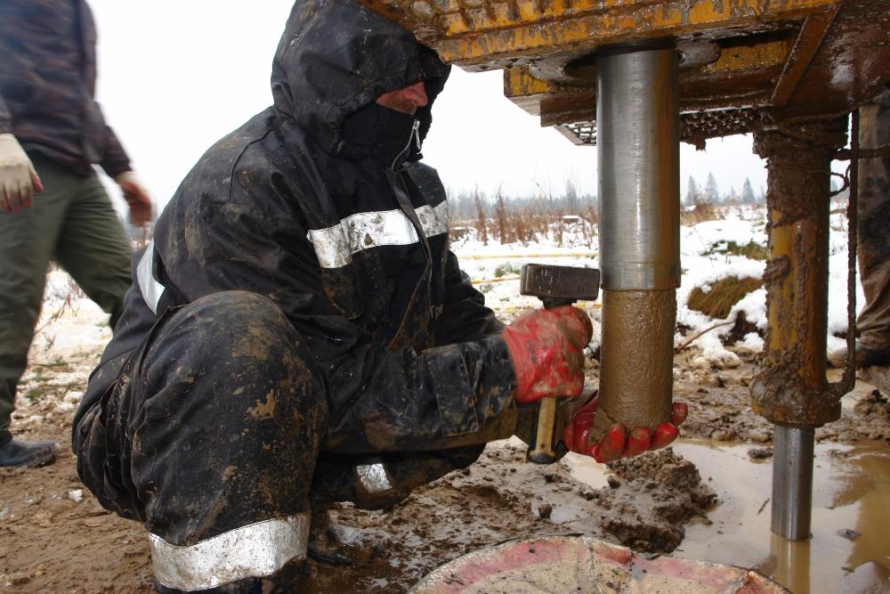 Колонковое бурение скважин: технология и нюансы проведения работ