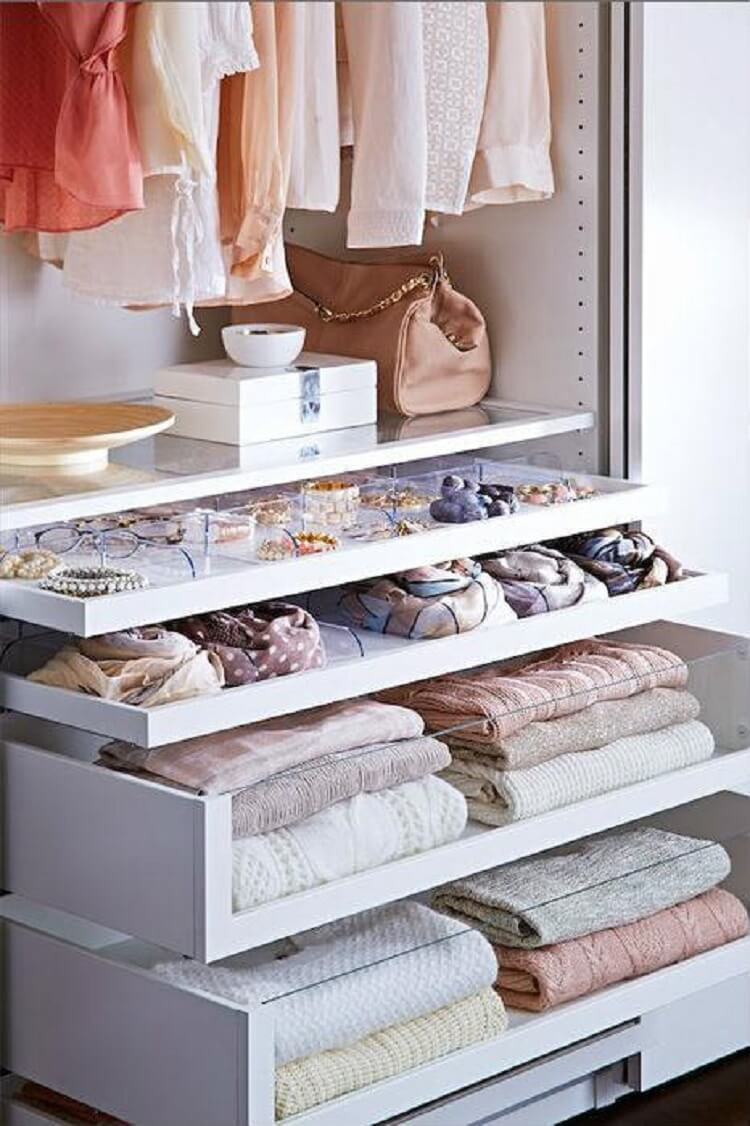 Хранение вещей в шкафу: идеи организации порядка гардероба