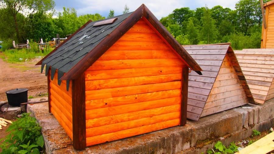 Уютный домик для колодца