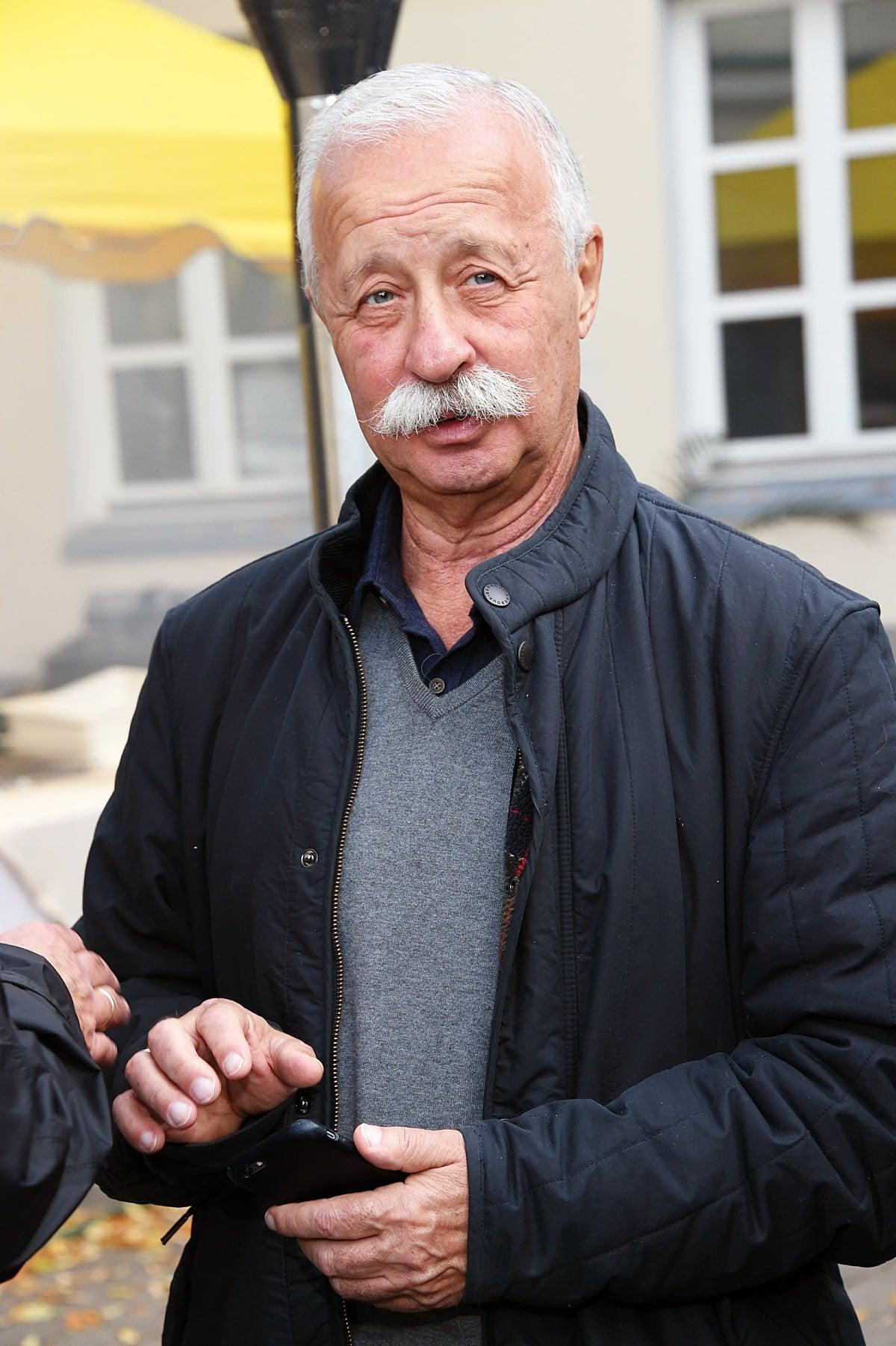 Дом Леонида Якубовича: где живёт народный телеведущий