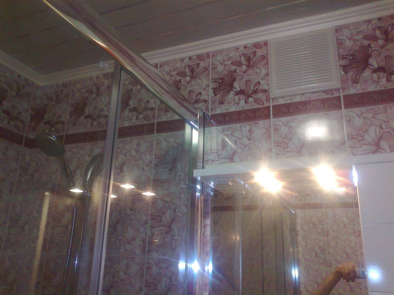 Как крепить пвх панели к стене в ванной: инструкция и 21 фото