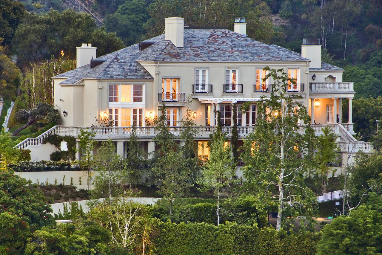 Роскошный образ жизни богатых и знаменитых, или в каких домах живут миллиардеры