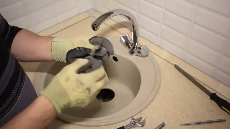 Как установить смеситель в ванной на стену своими руками