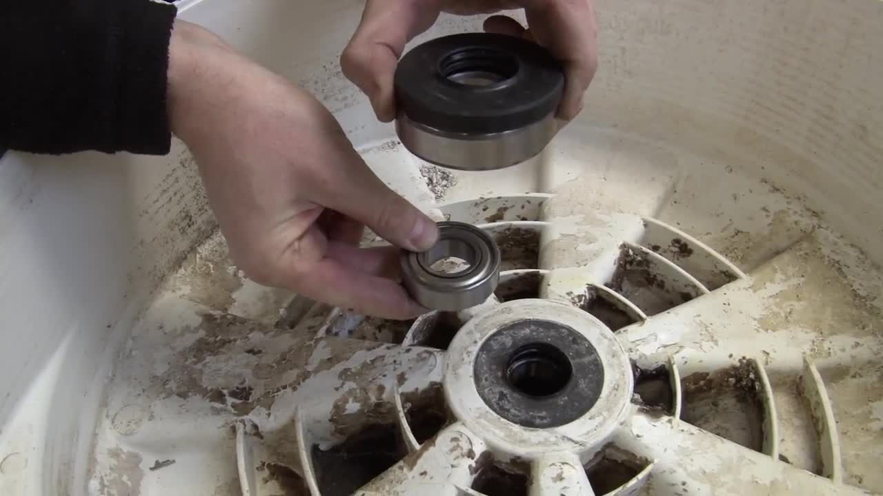 Замена подшипника в стиральной машине indesit: как поменять подшипник барабана? ремонт и сборка машины своими руками после замены